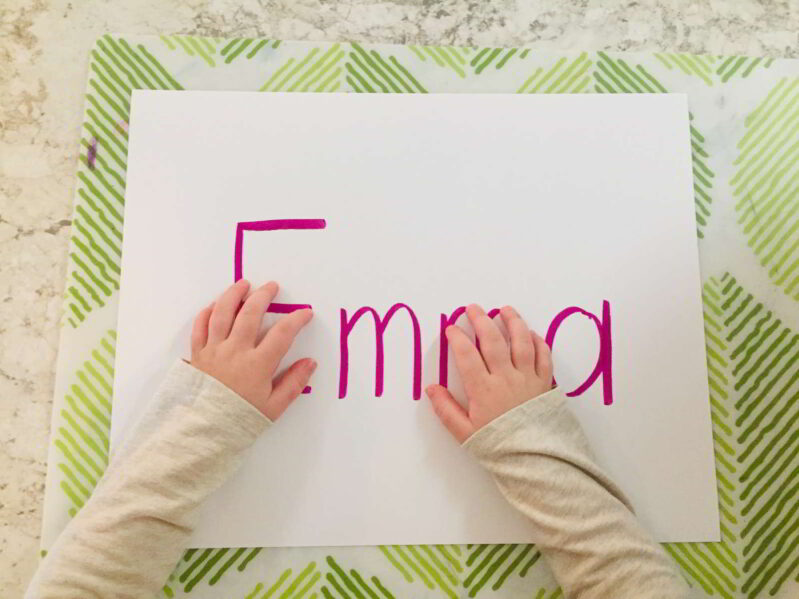 Learn to write your name with spaghetti -- simple and fun sensory experience for preschoolers