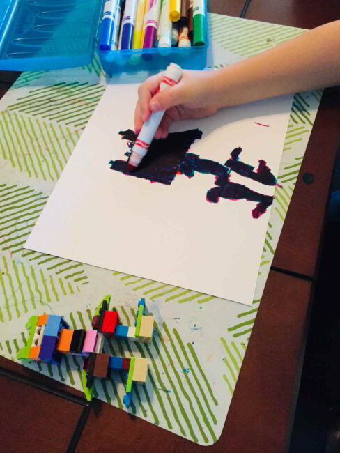 We love this simple LEGO artwork idea that keeps all the creative fun going!