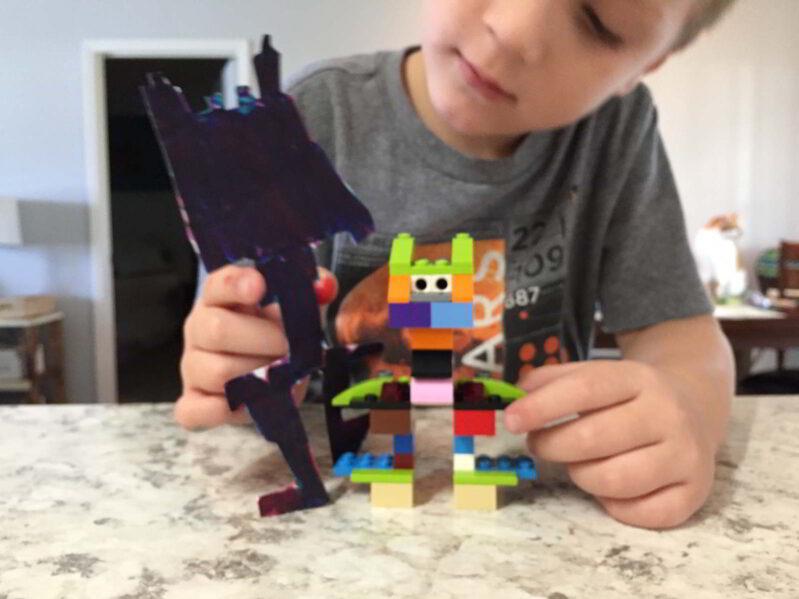 Play two ways: 3D LEGO creation + 2D LEGO artwork creation