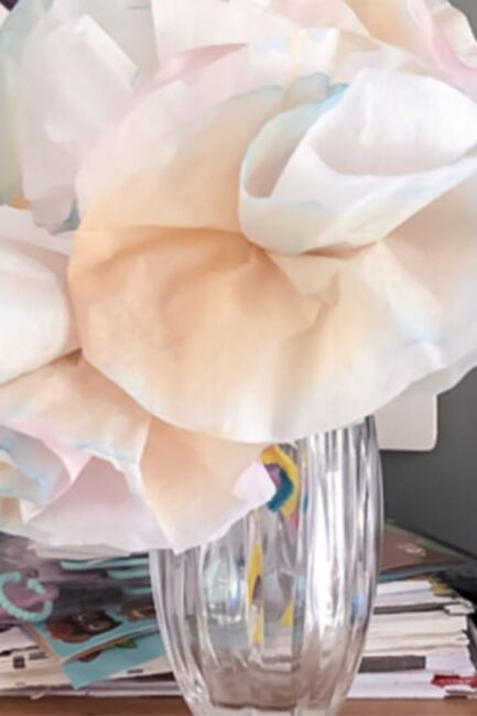 DIY a colorful coffee filter flowers bouquet that's a simple and easy craft for kids to make! It's a hands-on activity for kids of all ages.