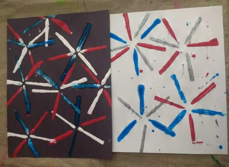 Two different styles of painting fireworks with straws!