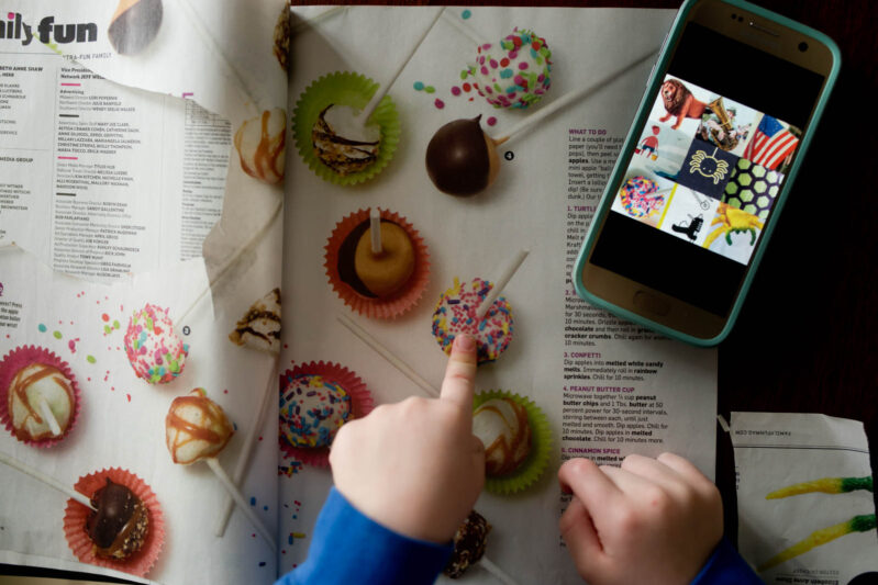 Super creative activity that takes kids on a magazine scavenger hunt while working on FINE motor skills (rather than running around and working on gross motor skills).