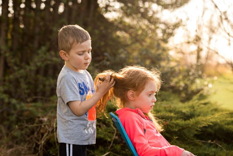 outdoor pretend play beauty salon curling iron stick.