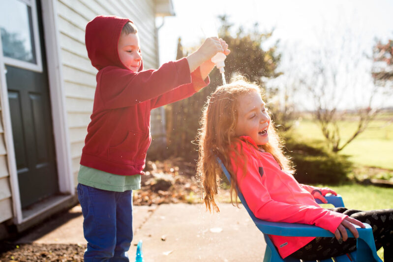 outdoor pretend play beauty salon