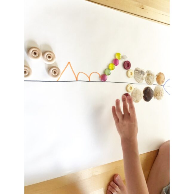 Creating symmetry patterns using loose parts