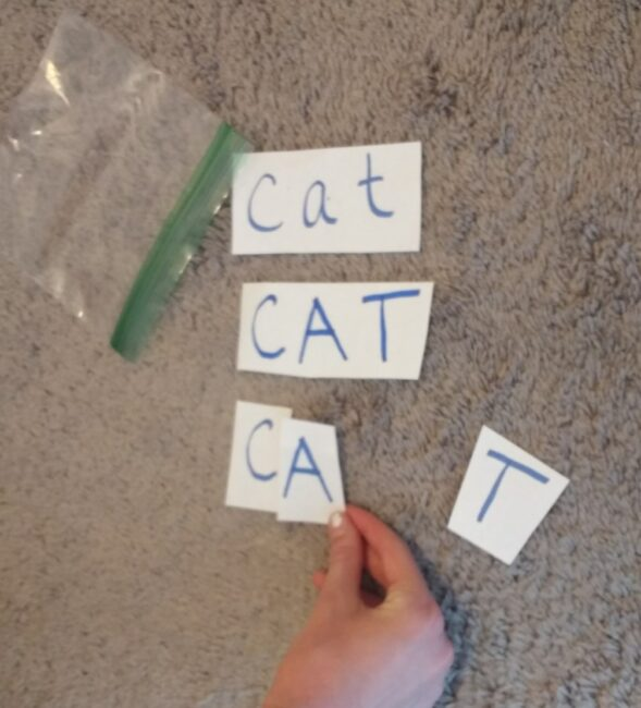 Super simple matching game to practice spelling words and sight word recognition.