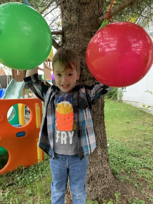 3-2-1-Blast-Off! Balloon straw rocket race experiment for kids.