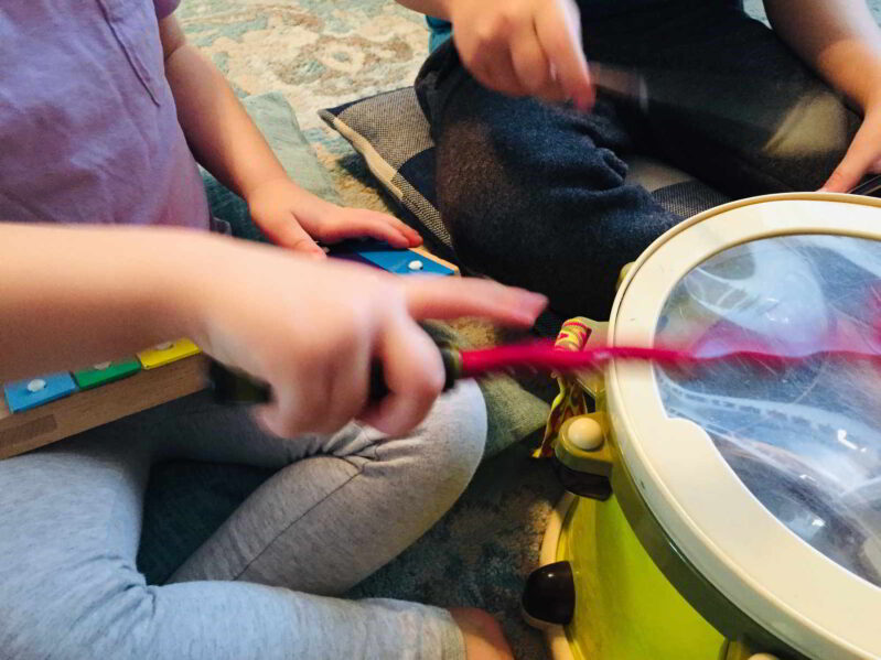 Simple musical activity for preschoolers to copy rhythms and patterns in classical music! Discover music together and explore playing along.