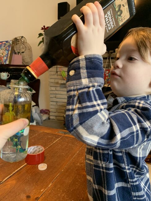 Super simple and fun lava lamp sensory bags or bottles activity perfect for toddlers and preschoolers to explore on Valentine's Day or any day!
