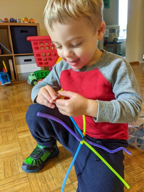 Beaded pipe cleaner stars are quick to set up and easy to keep handy for fine motor practice or quiet time for toddlers and preschoolers.