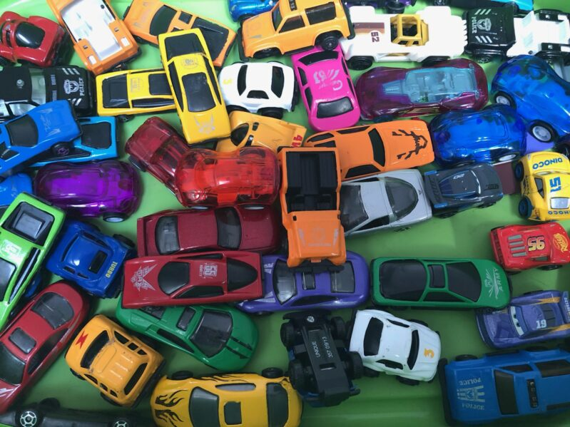 Who doesn't have tons of cars and need new ideas to use them for kids? Check these ideas out!