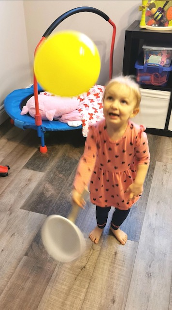 Take balloon gross motor play to a new level with a fun, simple paper plate balloon tennis activity for toddlers and preschoolers to enjoy!