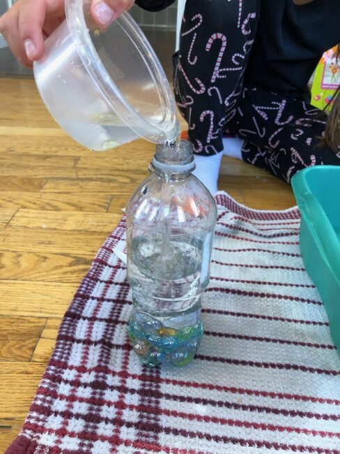 Let your preschoolers explore with marbles and water while strengthening fine motor skills in this no prep activity that perfect for quiet busy play at home.