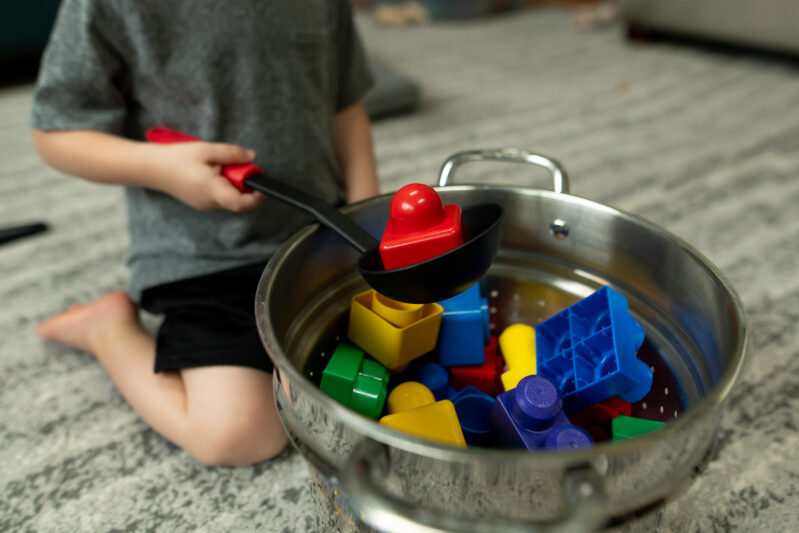 toddlers can play BLOCK SOUP to learn colors - so EASY!