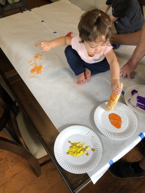 Get creative and messy this fall with this simple and fun corn painting activity that combines art and sensory skills! You kids will love it.
