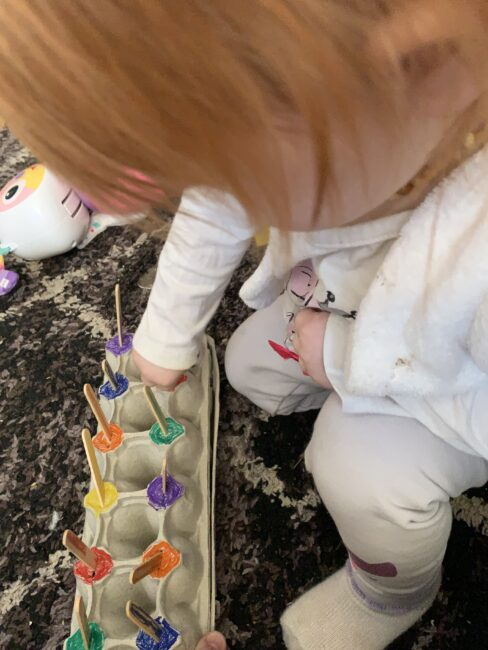 Eggcellent teaching activities for toddlers up to grade school with these simple egg carton matching activity ideas for hands on learning at home.